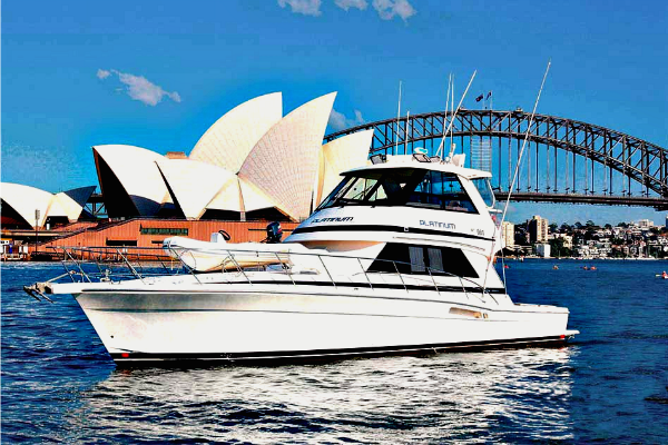 Platinum-boat-close-to-Opera-House-950x650
