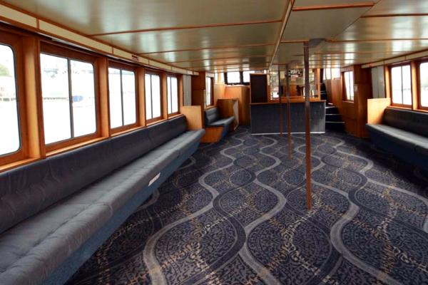 003-Galene-boat-interior