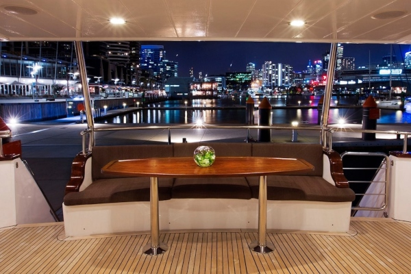 mv-pearl-aft-deck 600x400