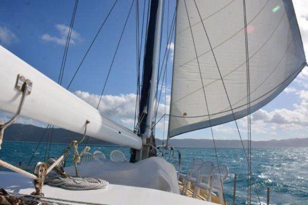 sundancer-whitsundays-sail