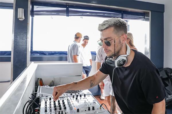 LeBleu-DJ