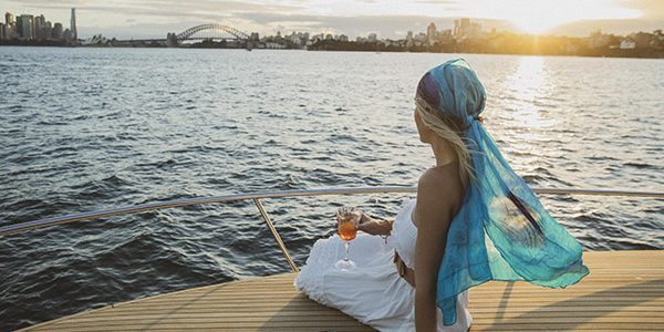 Lifestyle Charters_FELIX_Taking in the Sydney skyline